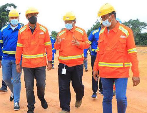 Nourredine Bongo visite le CMM et l'usine de pavés